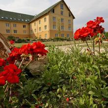 Vis Vitalis Hotel in Mogyorod