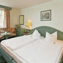 Waldhof Hotel Trassenheide in Warthe