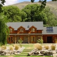 Wanaka Homestead Lodge & Cottages in Wanaka