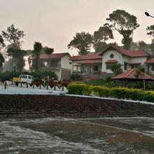 Wander With Your Buddies At Vaishnavi Estate In Coorg in Ammatti