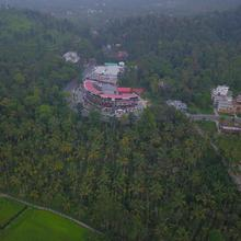 Wayanad Royal Crown in Meenangadi
