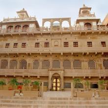WelcomHeritage Jukaso Ganges in Varanasi