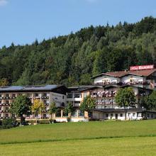 Wellness- und Ferienhotel Waldesruh in Arnbruck