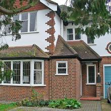 West Drayton Villa Sleeps 6 Wifi in London