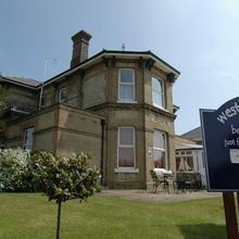 Westbury Lodge in Rookley