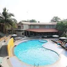 Whispering Palms Beach Resort in Nerul
