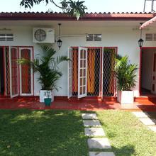 White Villa in Colombo