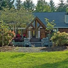 Whitley House Bed & Breakfast in Qualicum Beach