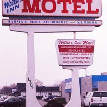Willie's Inn Motel in Sarnia