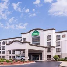 Wingate By Wyndham Greenville Airport in Greer