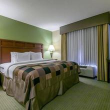 Wingate Inn & Suites in Sarasota