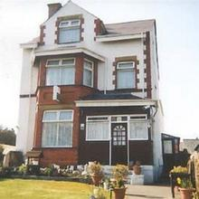 Witchingham B&B - Hostel in Holyhead