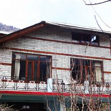 Woodchime Homestay in Kullu