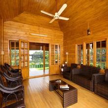 Woodhive Serviced Villa in Aluva