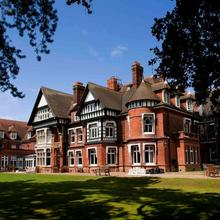 Woodlands Park Hotel in London
