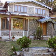 Woodside Retreat in Kota Bagh