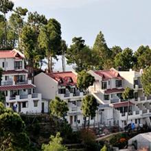 Woodsvilla Resort in Chaubattia