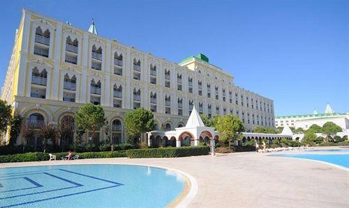 World Of Wonders Kremlin Palace in Antalya