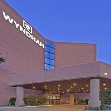 Wyndham Dallas Suites - Park Central in Dallas