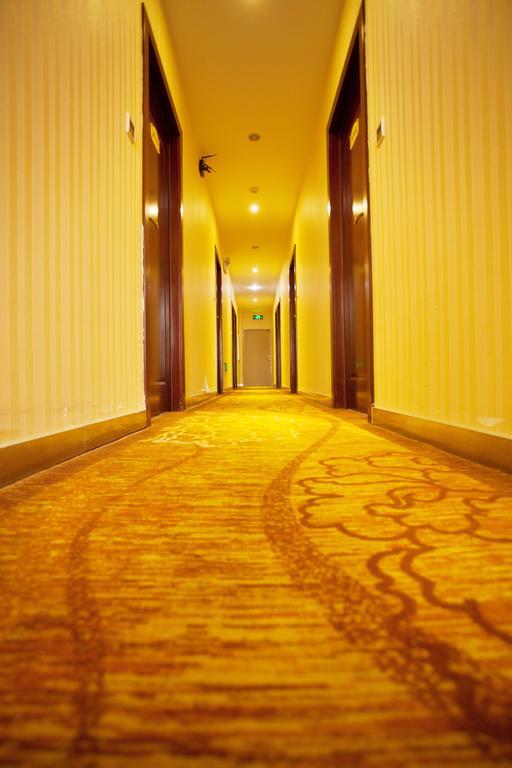 Xiongfeng Hotel in Kunming