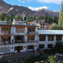 Yangphel Guest House in Leh