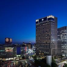 Yokohama Bay Sheraton Hotel And Towers in Kawasaki