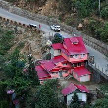 Youth Hostel Sirikhola in Sumbar