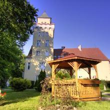 Zamek Nowęcin in Sasino