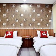 Zen Rooms Basic Green Apple in Jakarta