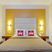 Zen Rooms Basic Near Sunter Mall in Jakarta
