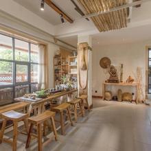 Zen Tea House Seven Stars Park in Guilin