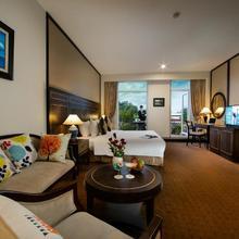 Zephyr Suites Boutique Hotel in Hanoi