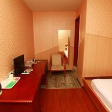 Zhengfu Caotang Decent Inn in Chengdu