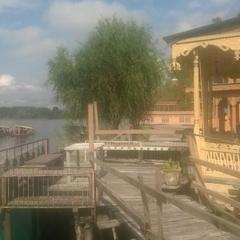 Houseboat Kausar in Srinagar