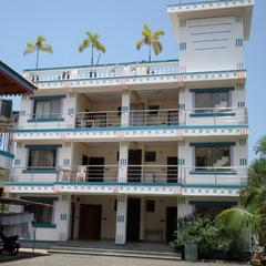 Aakash Beach Hotel in Nandgaon