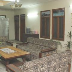 Akash Hotel in Solan