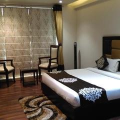 Aura Grand Residency in New Delhi