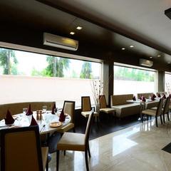 Best Deal Hotel @1999 With Breakfast in Shirdi