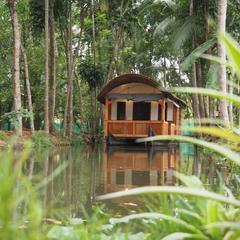 Canoe Ville in Alappuzha