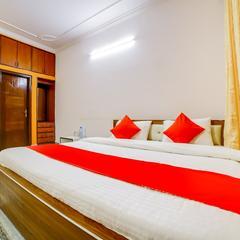 Capital O 18285 Heritage House Suite in Prayagraj