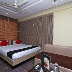Capital O 18582 Hotel Heaven in Kolkata