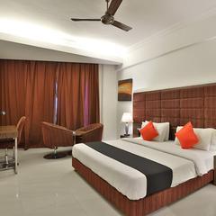 Capital O 23123 Hotel Kohinoor Deluxe in Bharuch