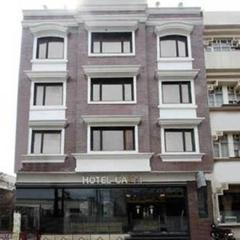 Capri Hotel in Pathankot