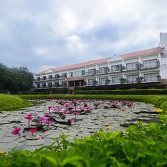 Club Kensville Golf Resort in Ahmedabad