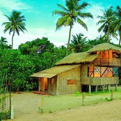 Colonels Beach Villa in Alappuzha