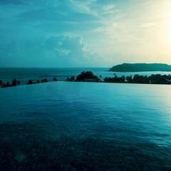 Dolphin Heights Ocean View Villa in Verem