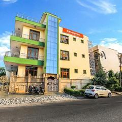 Fabhotel Silver Inn Sector 52 in Noida