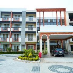 Five Falls Resort in Kuttalam