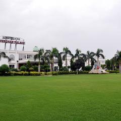 Goverdhan Palace in Mathura