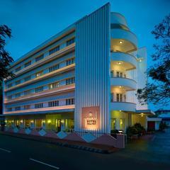 Grand Hotel in Ernakulam
